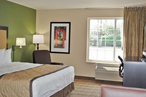 洛杉矶-托伦斯-德尔阿莫圈美国长住酒店 - 托伦斯 - 睡房