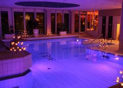 特艾酒店 - 施韦策瓦尔德康体酒店 - 罗斯托克 - 游泳池