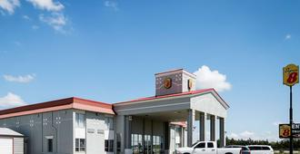 麋鹿市速8酒店 - 埃尔克城 - 建筑