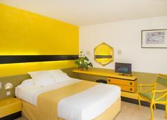 于尔班V酒店 - 芒德 - 睡房