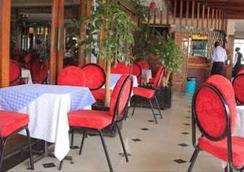安巴塞杜酒店 - 内罗毕 - 餐馆