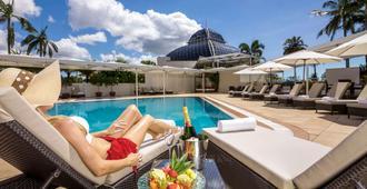 礁滩铂尔曼酒店赌场 - 凯恩斯 - 游泳池