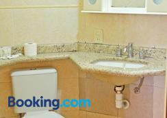 普萨德安普罗斯酒店 - 坎波斯杜若尔当 - 浴室
