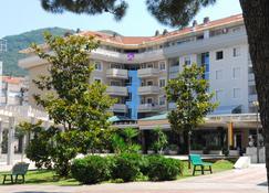 玉兰酒店 - 蒂瓦特 - 建筑