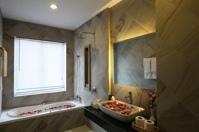 圣吴哥豪华酒店 - 暹粒 - 浴室