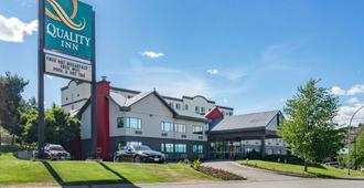 坎卢普斯优质酒店 - 坎卢普斯 - 建筑