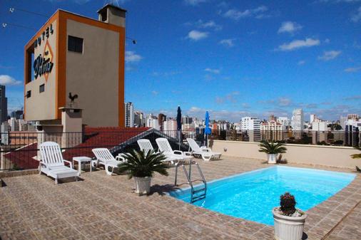 弗拉特彼得雷斯公寓 - 库里提巴 - 游泳池