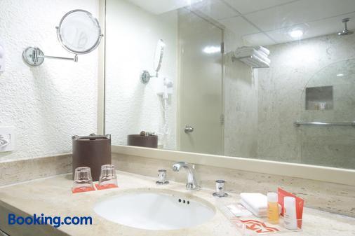 坎昆克里斯塔尔酒店 - 坎昆 - 浴室