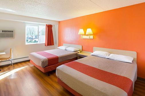 斯波坎东部6号汽车旅馆 - 斯波坎 - 睡房