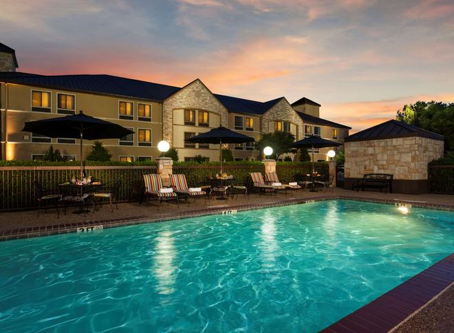 西佳plus路易斯维尔科佩尔酒店 - 路易斯维尔 - 游泳池