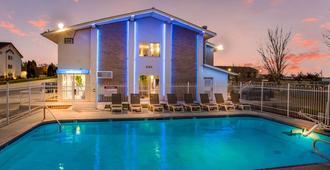 博伊西机场6号汽车旅馆 - 博伊西 - 游泳池