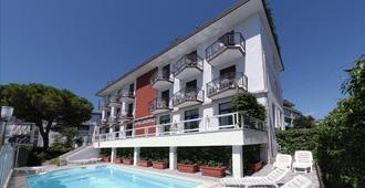 埃斯特别墅酒店 - 格拉多