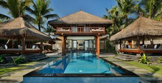 巴厘岛乐吉安度假酒店 - 库塔 - 游泳池