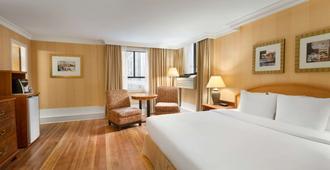 温哥华市区戴斯酒店 - 温哥华 - 睡房