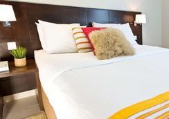 萨拉马沙达度假村套房 - 吉达 - 睡房