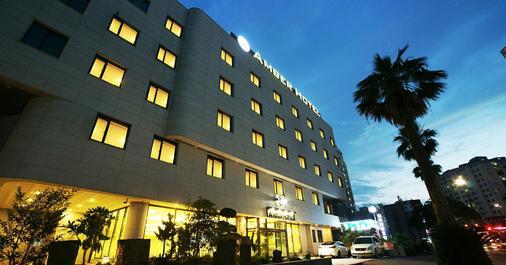 济州琥珀酒店 - 济州 - 建筑
