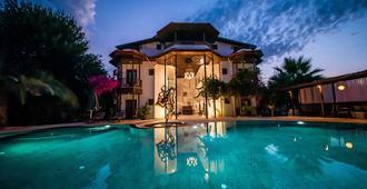穆拉特帕夏大廈酒店 - 达利安 - 游泳池