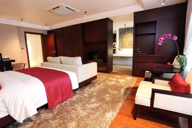 阿奴雷斯酒店 - 金边 - 睡房