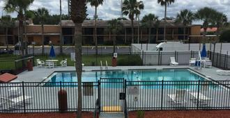 西部戴斯汽车旅馆 - 圣奥古斯丁 - 游泳池