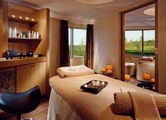 福塔岛Spa酒店 - 科克 - 睡房