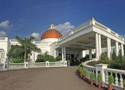 戈姆提纳加泰姬陵维万塔酒店 - 勒克瑙 - 建筑