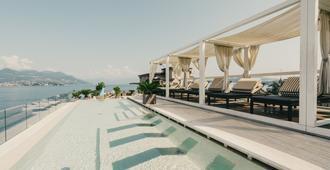 拉帕尔马酒店 - 斯特雷萨 - 游泳池