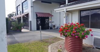 廷博镇度假汽车旅馆 - 麦夸里港 - 建筑
