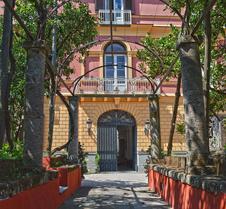 秘密花园黎莱斯酒店