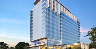 诺富特马卡萨尔格兰特沙依拉酒店 - 马卡萨 - 建筑