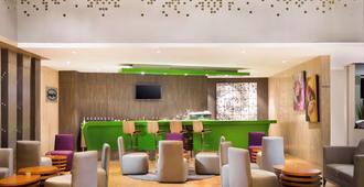 诺富特马卡萨尔格兰特沙依拉酒店 - 马卡萨 - 酒吧