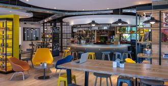 阿姆斯特丹南荷兰奥斯特钟楼酒店及餐厅 - 阿姆斯特丹 - 酒吧