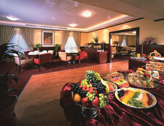 迪拜艾巴斯坦中心公寓 - 迪拜 - 酒吧