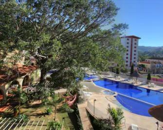 曼托瓦尼酒店 - 阿瓜斯-迪林多亚 - 游泳池