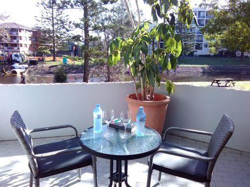 棕榈阁庭院汽车旅馆 - 麦夸里港 - 阳台