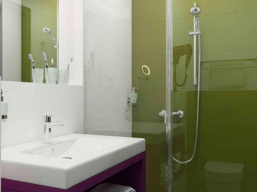 布达佩斯机场宜必思尚品酒店 - 布达佩斯 - 浴室