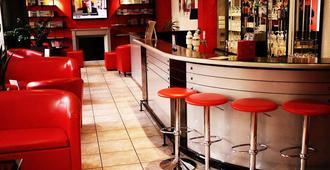 米卢斯中心舒适英式酒店 - 米卢斯 - 酒吧