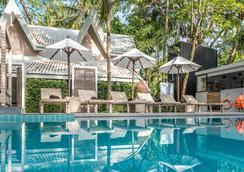 蒂瓦娜芭甲米度假酒店 - 奥南 - 游泳池
