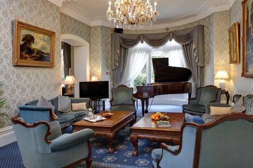 伦敦瑞士小屋贝斯特韦斯特酒店 - 伦敦 - 客厅