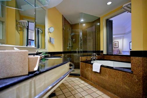 麦哲伦丝绸度假村 - 亚庇 - 浴室