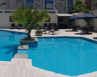 天竺葵酒店 - 巴拉奈里奥-坎布里乌 - 游泳池