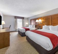 格罗夫城康福特酒店