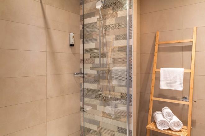 昂蒂布海滨最佳西方Plus酒店 - 安提伯 - 浴室