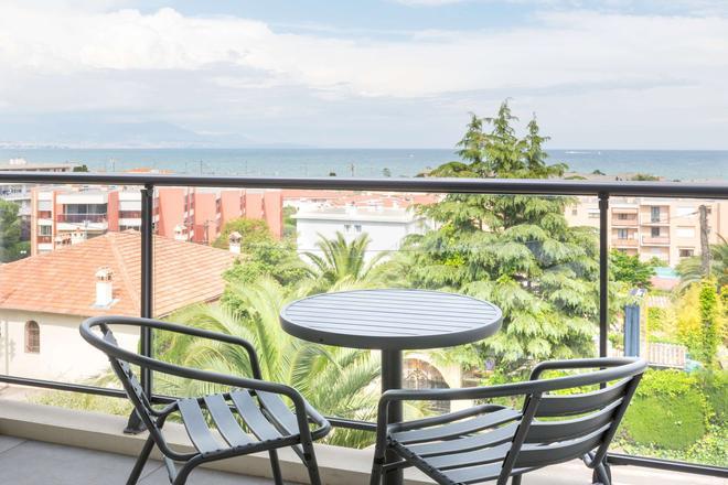 昂蒂布海滨最佳西方Plus酒店 - 安提伯 - 阳台