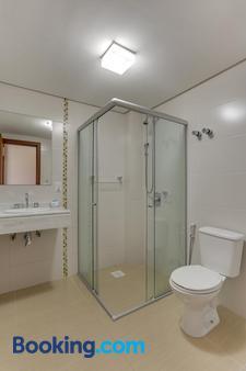 法塞拉岛旅馆 - 弗洛里亚诺波利斯 - 浴室