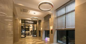 M's Plus酒店-四条大宫 - 京都 - 大厅
