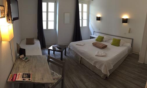 小酒店 - 比亚里茨 - 睡房