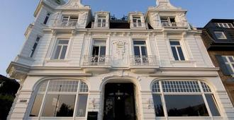 布兰克尼兹海滨酒店 - 汉堡 - 建筑