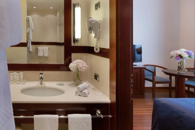 怡东星级酒店 - 博洛尼亚 - 浴室