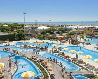 维拉格奥图里斯蒂科国际酒店 - 比比翁 - 游泳池
