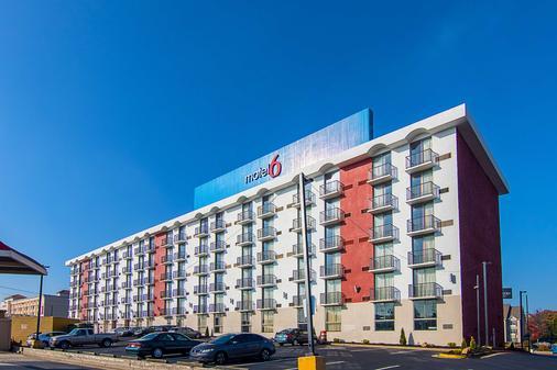弗吉尼亚州大道亚特兰大机场6号汽车旅馆 - 亚特兰大 - 建筑